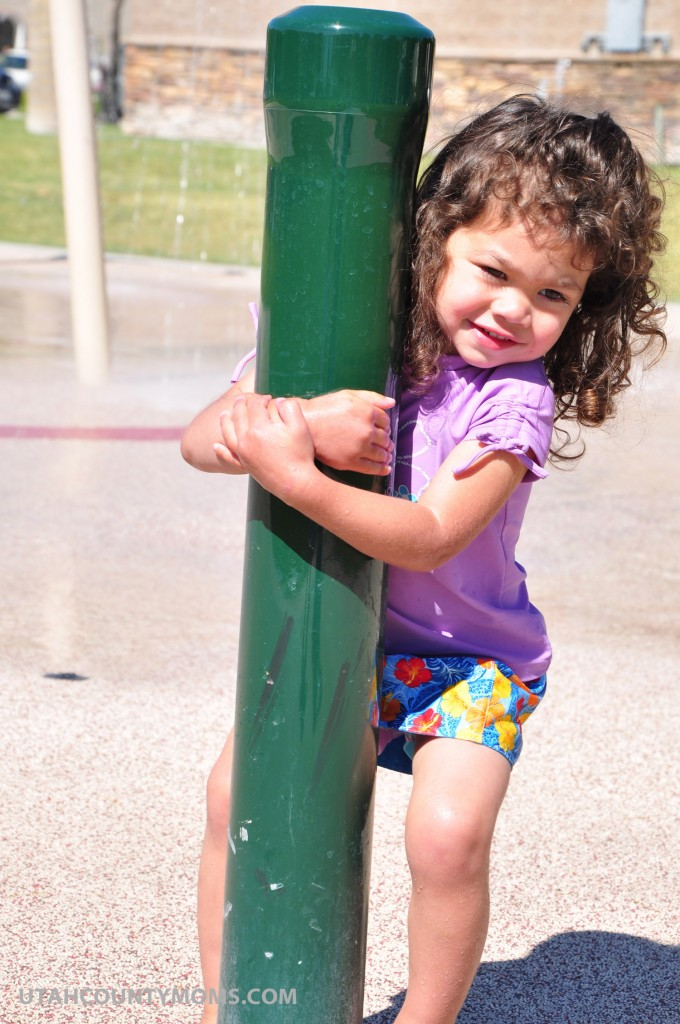 If the water is not running, wave your hand over this green pole in the northeast corner of the splash pad and it will start the water again. The water is time sensitive so you may have to restart it while you are playing!
